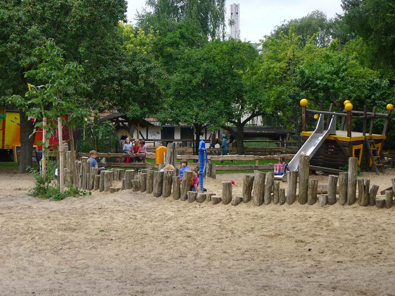 Kinderbauernhof der ufa-Fabrik @ Heide Simbritzki-Schwarz 2013